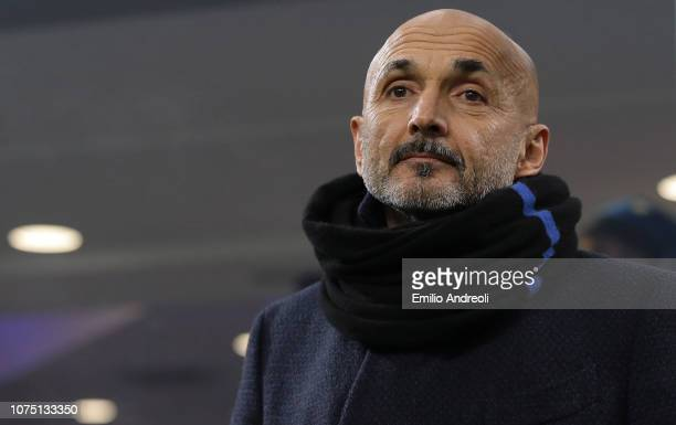 Internazionale coach Luciano Spalletti looks on during the Serie A match between FC Internazionale and SSC Napoli at Stadio Giuseppe Meazza on...