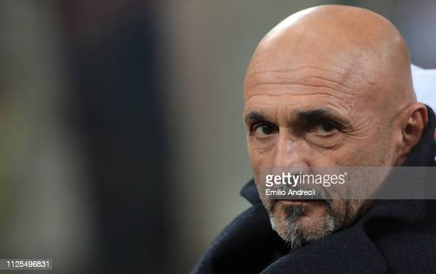 Internazionale coach Luciano Spalletti looks on during the Serie A match between FC Internazionale and UC Sampdoria at Stadio Giuseppe Meazza on...