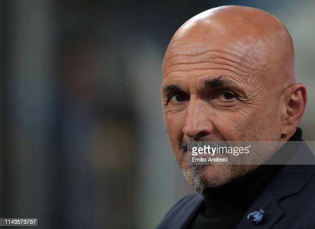 Internazionale coach Luciano Spalletti looks on during the Serie A match between FC Internazionale and Chievo at Stadio Giuseppe Meazza on May 13,...