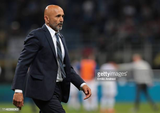 Internazionale coach Luciano Spalletti looks on during the Serie A match between FC Internazionale and Empoli FC at Stadio Giuseppe Meazza on May 26,...