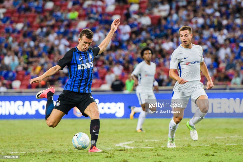 FC Internazionale Forward Ivan Perisic (L) attempts a kick during the International Champions Cup 2017 match between FC Internazionale and Chelsea FC on July 29, 2017 in Singapore.