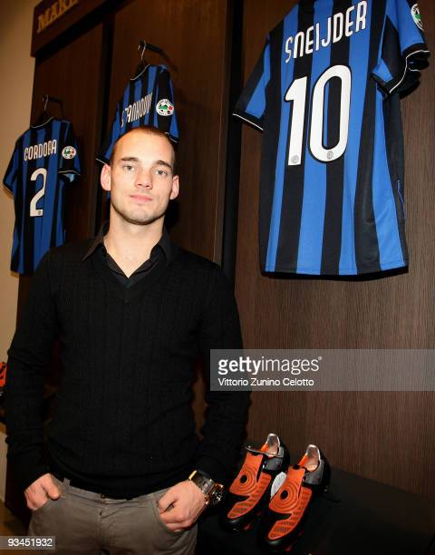 Internazionale Milan midfielder Wesley Sneijder attends the FC Internazionale Milan Cocktail Party on November 27, 2009 in Milan, Italy.