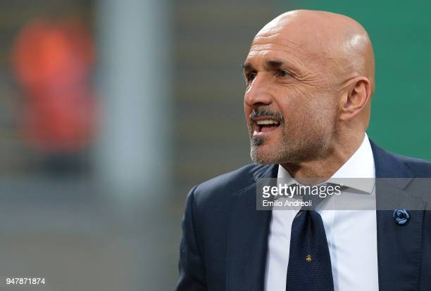 Internazionale Milano coach Luciano Spalletti looks on before the serie A match between FC Internazionale and Cagliari Calcio at Stadio Giuseppe...