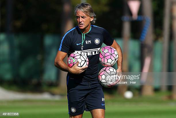 Internazionale Milano coach Roberto Mancini looks on during the FC Internazionale training session at the club's training ground on October 8 2015 in...