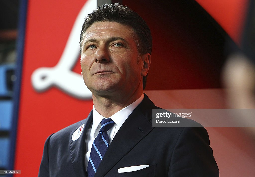 FC Internazionale Milano coach Walter Mazzarri looks on before the Serie A match between FC Internazionale Milano and Udinese Calcio at San Siro Stadium on March 27, 2014 in Milan, Italy.