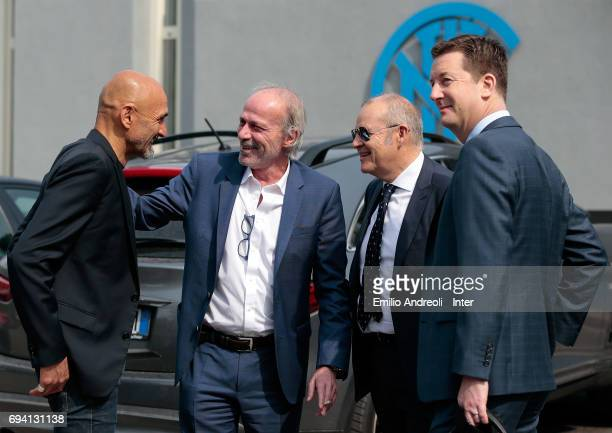 Internazionale Milano new coach Luciano Spalletti speaks to Suning Sports Technical Director Walter Sabatini Chief Football Administrator of FC...
