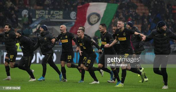 Internazionale palyers celebrate the victory at the end of the Serie A match between FC Internazionale and SPAL at Stadio Giuseppe Meazza on December...