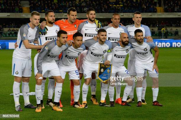 Internazionale players pose before the Serie A match between Hellas Verona FC and FC Internazionale at Stadio Marc'Antonio Bentegodi on October 30...