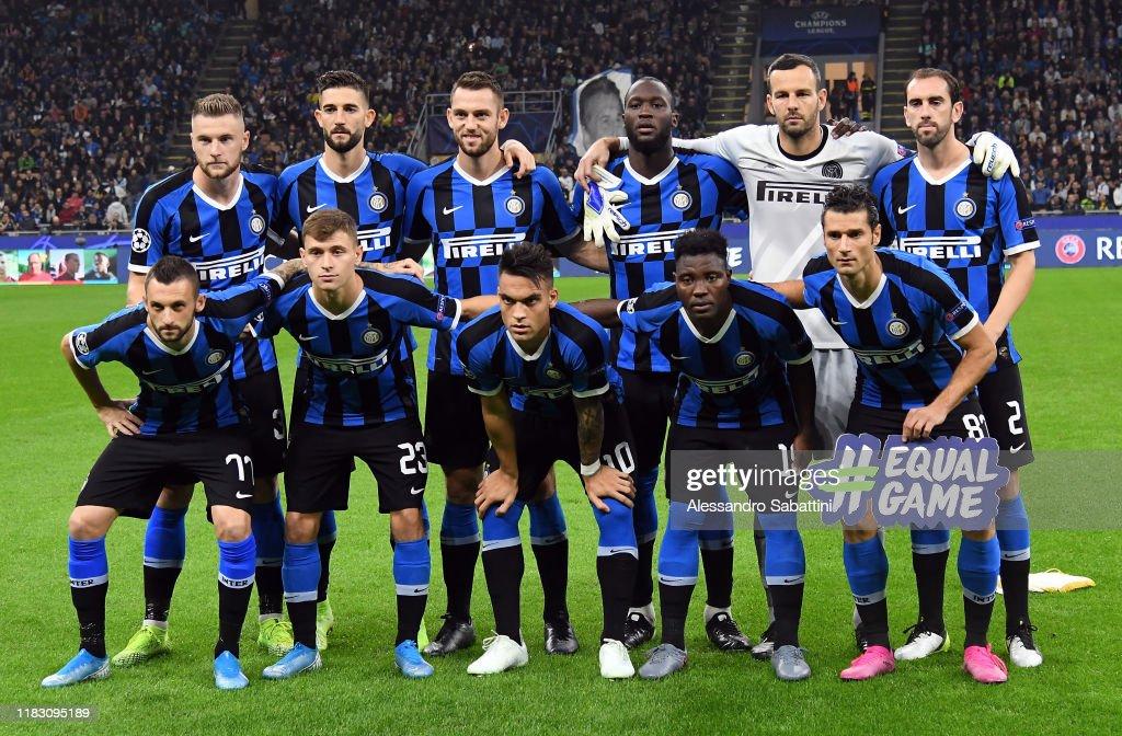 FC Internazionale v Borussia Dortmund: Group F - UEFA Champions League : News Photo