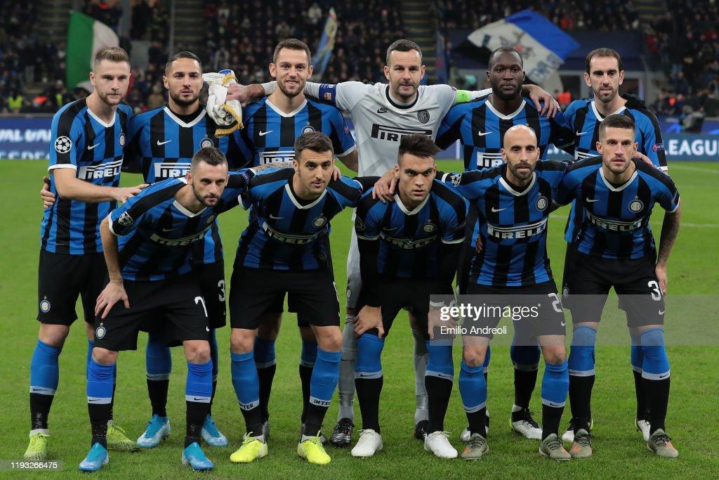 FC Internazionale v FC Barcelona: Group F - UEFA Champions League : ニュース写真
