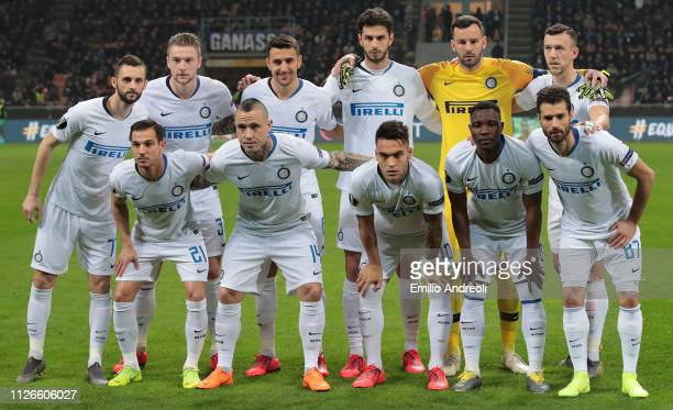 Internazionale team line up prior to the UEFA Europa League Round of 32 Second Leg match between FC Internazionale and SK Rapid Wien at San Siro on...