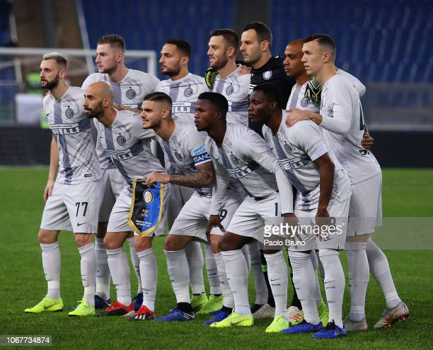 Internazionale team poses during the Serie A match between AS Roma and FC Internazionale at Stadio Olimpico on December 2 2018 in Rome Italy