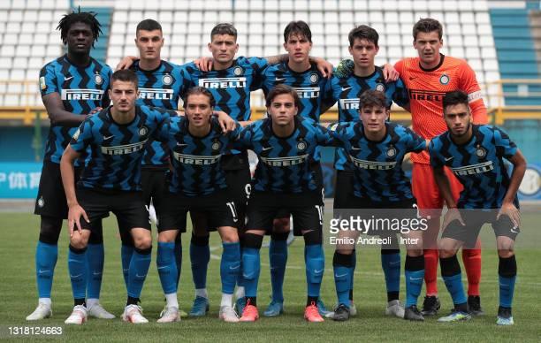 Internazionale U19 team line up during the Primavera 1 TIM match between FC Internazionale U19 and ACF Fiorentina U19 at Stadio Breda on May 15, 2021...