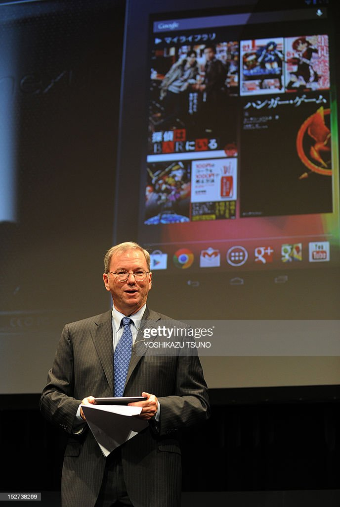 US Internet giant Google executive chairman Eric Schmidt displays the company's Nexus 7 tablet computer equipped with a 7-inch LCD display and a quad-core Tegra processor in its 340g body in Tokyo on September 25, 2012. Google said on September 25 it was launching its Nexus 7 tablet computer in Japan, aiming to take on Apple's iPad in one of the most lucrative markets in the world. AFP PHOTO / Yoshikazu TSUNO