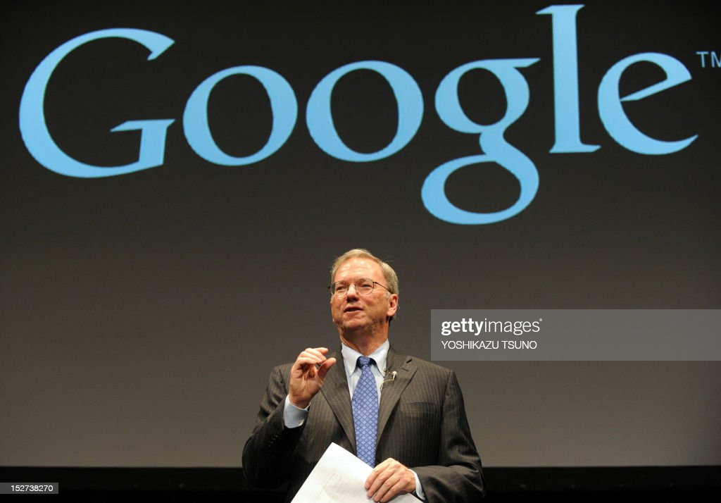 US Internet giant Google executive chairman Eric Schmidt speaks about the company's Nexus 7 tablet computer equipped with a 7-inch LCD display and a quad-core Tegra processor in its 340g body in Tokyo on September 25, 2012. Google said on September 25 it was launching its Nexus 7 tablet computer in Japan, aiming to take on Apple's iPad in one of the most lucrative markets in the world. AFP PHOTO / Yoshikazu TSUNO