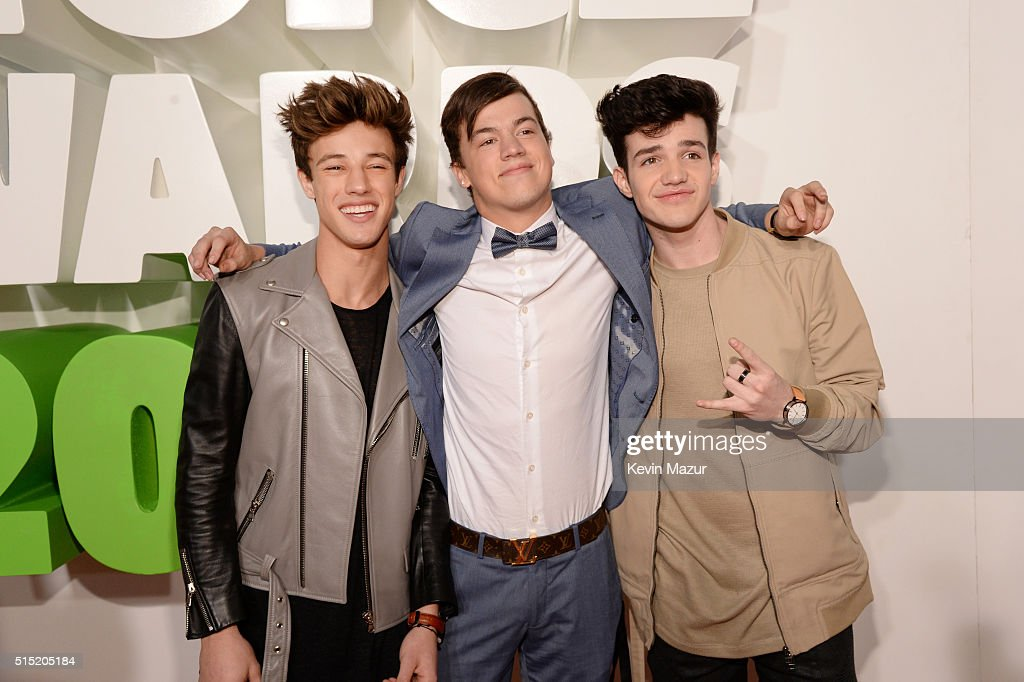 Internet personalities Cameron Dallas, Taylor Caniff and Aaron Carpenter attend Nickelodeon's 2016 Kids' Choice Awards at The Forum on March 12, 2016 in Inglewood, California.