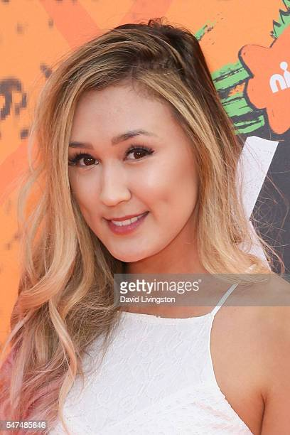 Internet personality Lauren Riihimaki arrives at the Nickelodeon Kids' Choice Sports Awards 2016 at the UCLA's Pauley Pavilion on July 14 2016 in...
