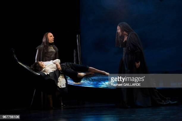 Interprétation de 'Lucrèce Borgia' drame en 3 actes de Victor Hugo par la ComédieFrançaise à la salle Richelieu le 22 mai 2014 Paris France Mise en...