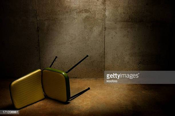 interrogation room - prison escape stock pictures, royalty-free photos & images