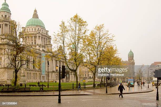 intersection at belfast city hall - donegall square stock pictures, royalty-free photos & images