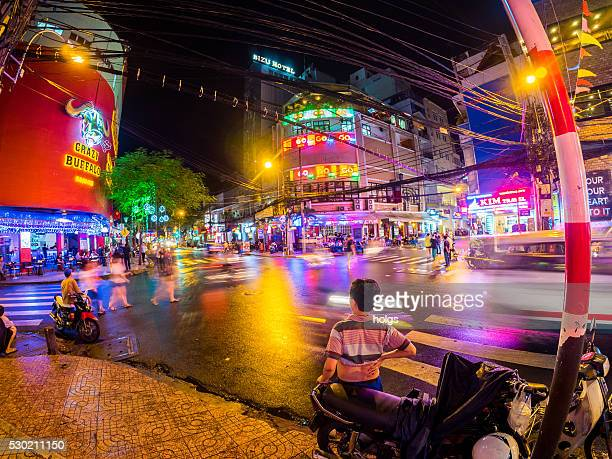 intersection in ho chi minh, vietnam - ho chi minh city stock pictures, royalty-free photos & images