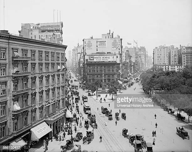 Intersection of Broadway and Fifth Avenue Looking North, New York City, USA, circa 1900.