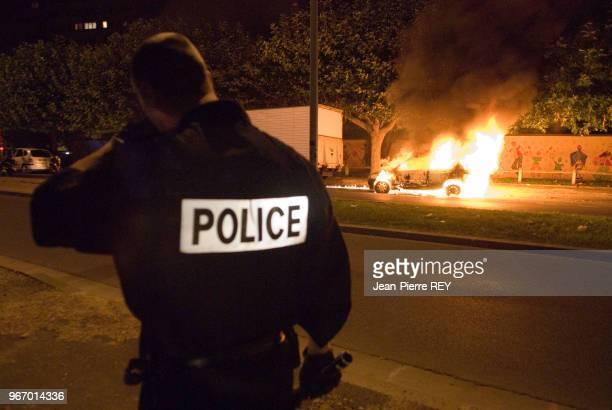 Intervention de la police lors d'une émeute le 16 octobre 2006 à Aulnay-sous-Bois, France.