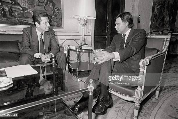 Interview between Adolfo Suarez and Felipe Gonzalez The former president of the Government Adolfo Suarez in an interview with Felipe Gonzalez...