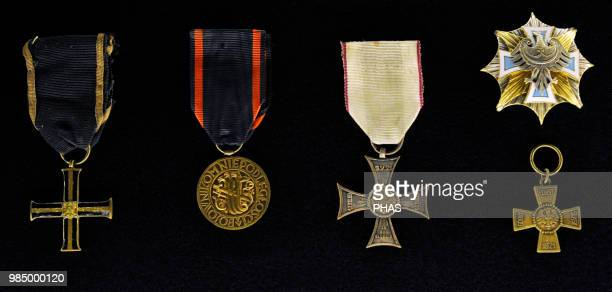 Cross of Independence Poland Medal of Independence Poland Cross with Silesian band to the value and merit granted to the participants in uprisings...
