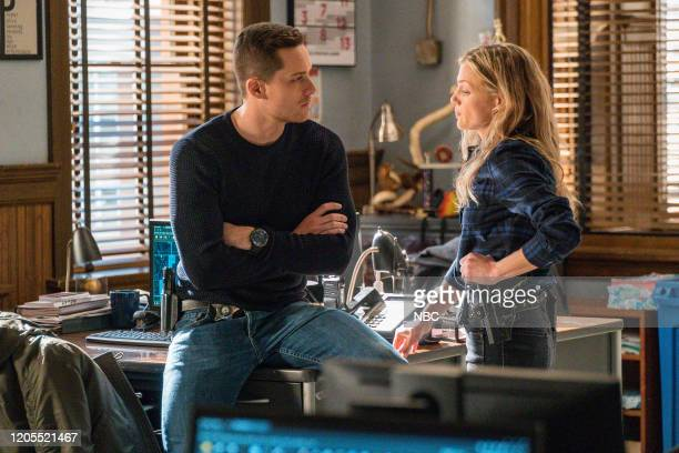 """Intimate Violence"""" Episode 715 -- Pictured: Jesse Lee Soffer as Jay Halstead, Tracy Spiridakos as Hailey Upton --"""