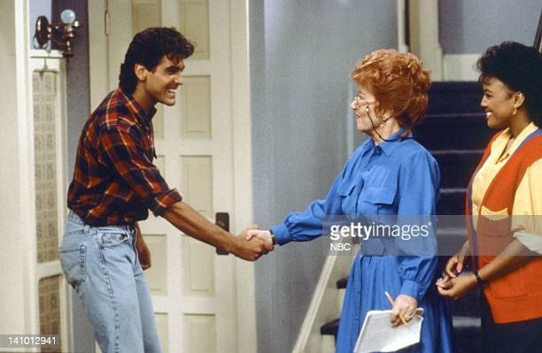 LIFE 'Into the Frying Pan' Episode 2 Pictured George Clooney as George Burnett Charolette Rae as Edna Garrett and Kim Fields as Dorothy 'Tootie'...