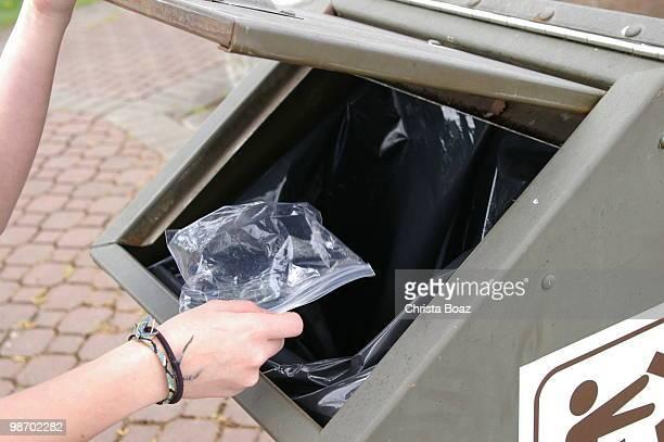 In den Müll es geht