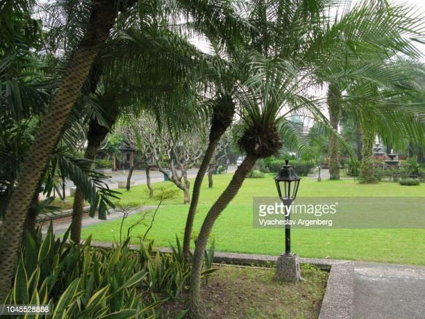 intramuros gardens, manila, philippines - argenberg stock-fotos und bilder