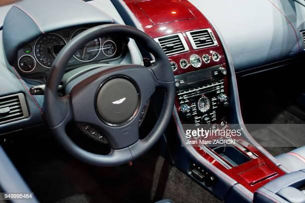 Intérieur de l'Aston Martin Vanquish Carbon Edition sur le stand Aston Martin pendant le Mondial de l'Automobile le 2 octobre 2014 Paris en France