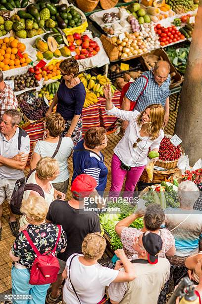 introductions at mercado dos lavradores - merten snijders stock pictures, royalty-free photos & images