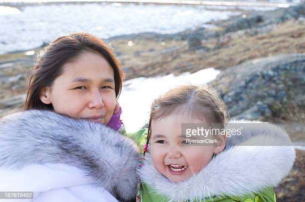 inuit mother and daughter on baffin island, nunavut, canada. - first nations stock pictures, royalty-free photos & images
