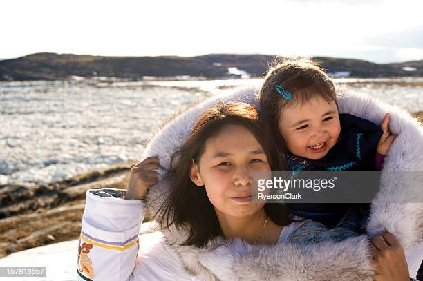 inuit mother and daughter traditional dress baffin island nunavut - inuit stock pictures, royalty-free photos & images