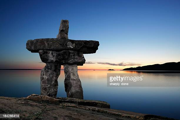 xl inukshuk twilight - canadian culture stock pictures, royalty-free photos & images