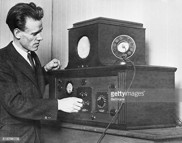 Inventor Philo T Farnsworth demonstrates his allelectronic television receiver