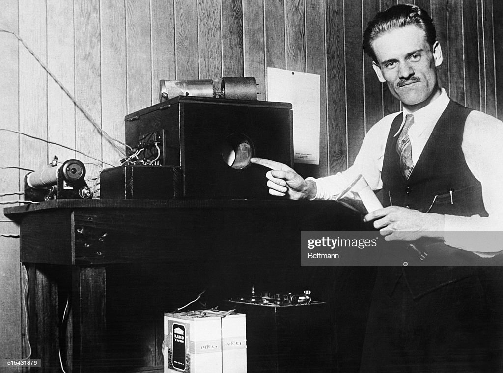 Philo T. Farnsworth Points to his Television : News Photo