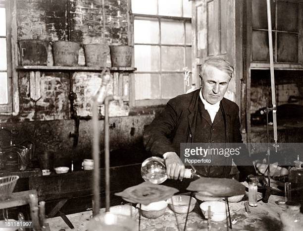 Inventor Thomas Alva Edison in his laboratory in Menlo Park New Jersey circa 1920 His worldchanging inventions include the phonograph the motion...