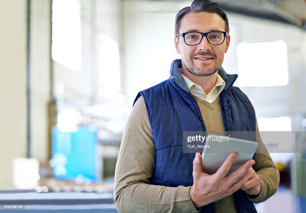 Inventar leicht gemacht mit dem tablet : Stock-Foto