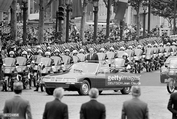 Investiture Of Francois Mitterrand Ceremony At The Arc Of Triumph A Paris le 21 mai 1981 le Président de la République François MITTERRAND accompagné...