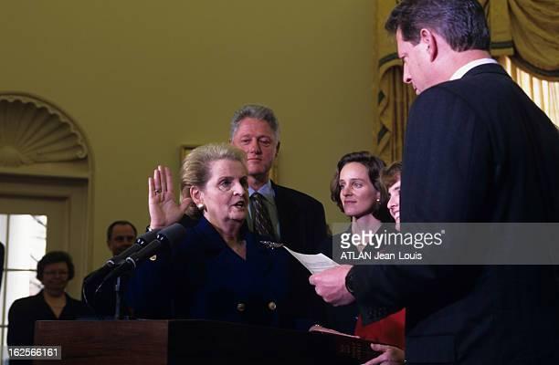 Investiture Of Madeleine Albright As Secretary Of State Of The United States Aux EtatsUnis à Washington le 23 janvier 1997 lors de la cérémonie...