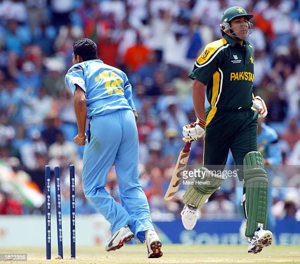 InzamamUlHaq of Pakistan is run out by a country mile by Anil Kumble of India during the ICC Cricket World Cup match between India and Pakistan at...