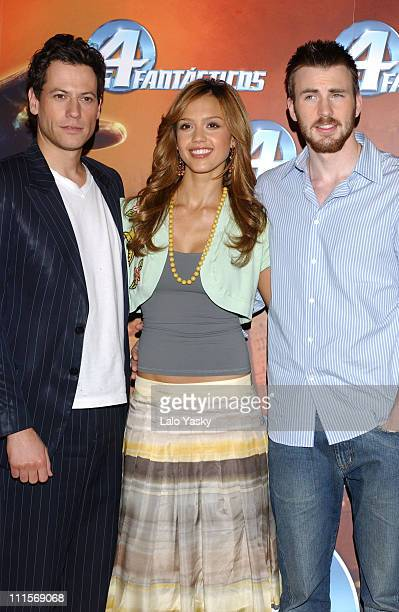 Ioan Gruffudd Jessica Alba and Chris Evans during Fantastic Four Madrid Photocall at Palace Hotel in Madrid Spain