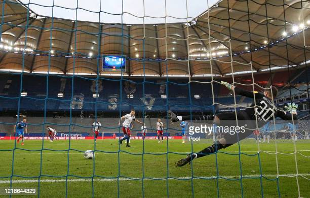 755 Hamburger Sv V Holstein Kiel Second Bundesliga Photos And Premium High Res Pictures Getty Images