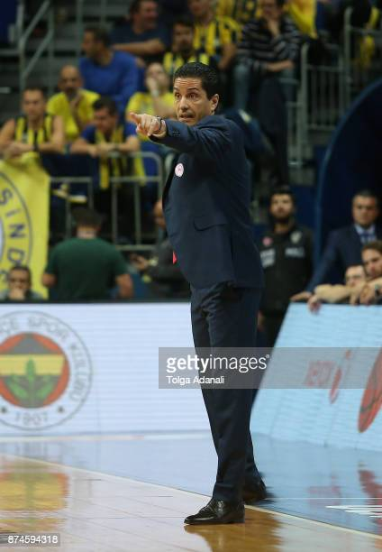 Ioannis Sfairopoulos Head Coach of Olympiacos Piraeus in action during the 2017/2018 Turkish Airlines EuroLeague Regular Season Round 7 game between...