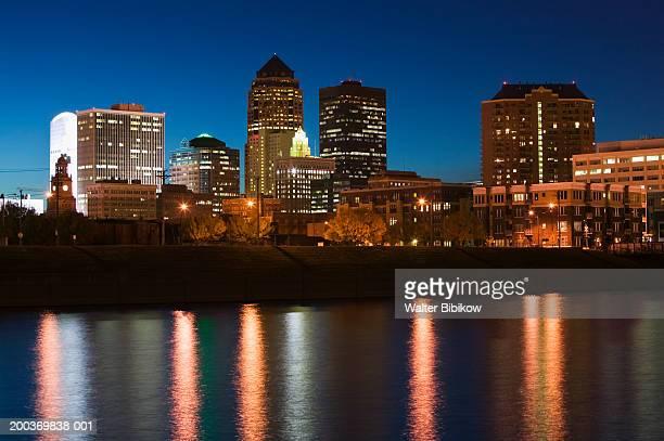 USA, Iowa, Des Moines, skyline, night