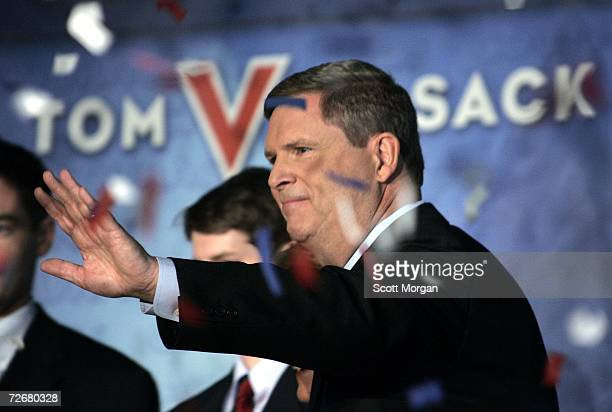 Iowa Gov Tom Vilsack waves to supporters during a rally on November 30 2006 at the Iowa Wesleyan College in Mount Pleasant Iowa Vilsack formally...
